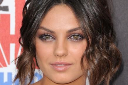 Mila Kunis habla escuetamente sobre la película 50 Sombras de Grey