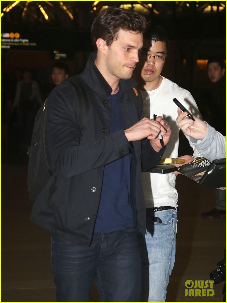 Jamie Dornan & Family Departing On A Flight In Vancouver