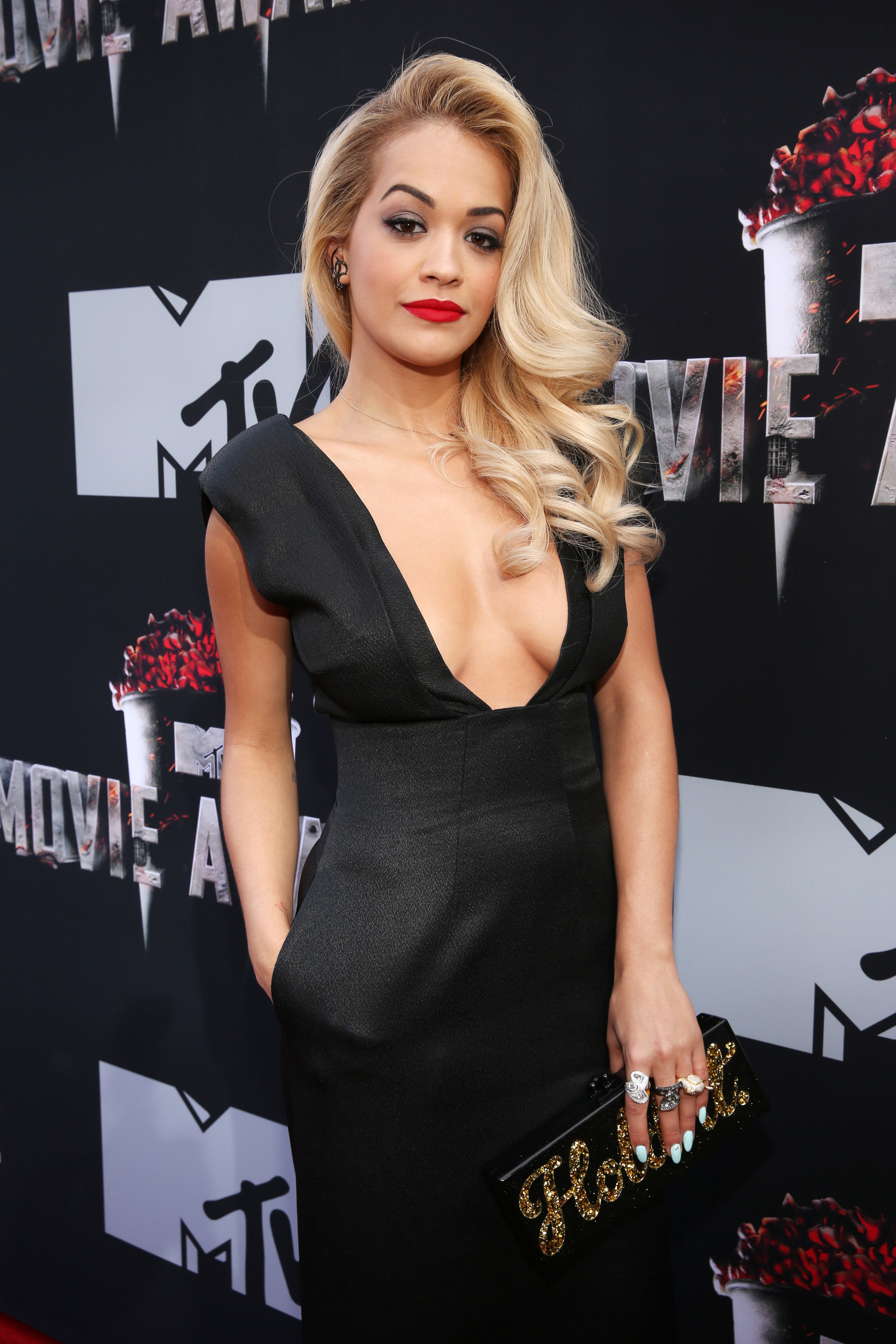 Rita-Ora 50 Sombras MTV Movie Awards abril 2014 2