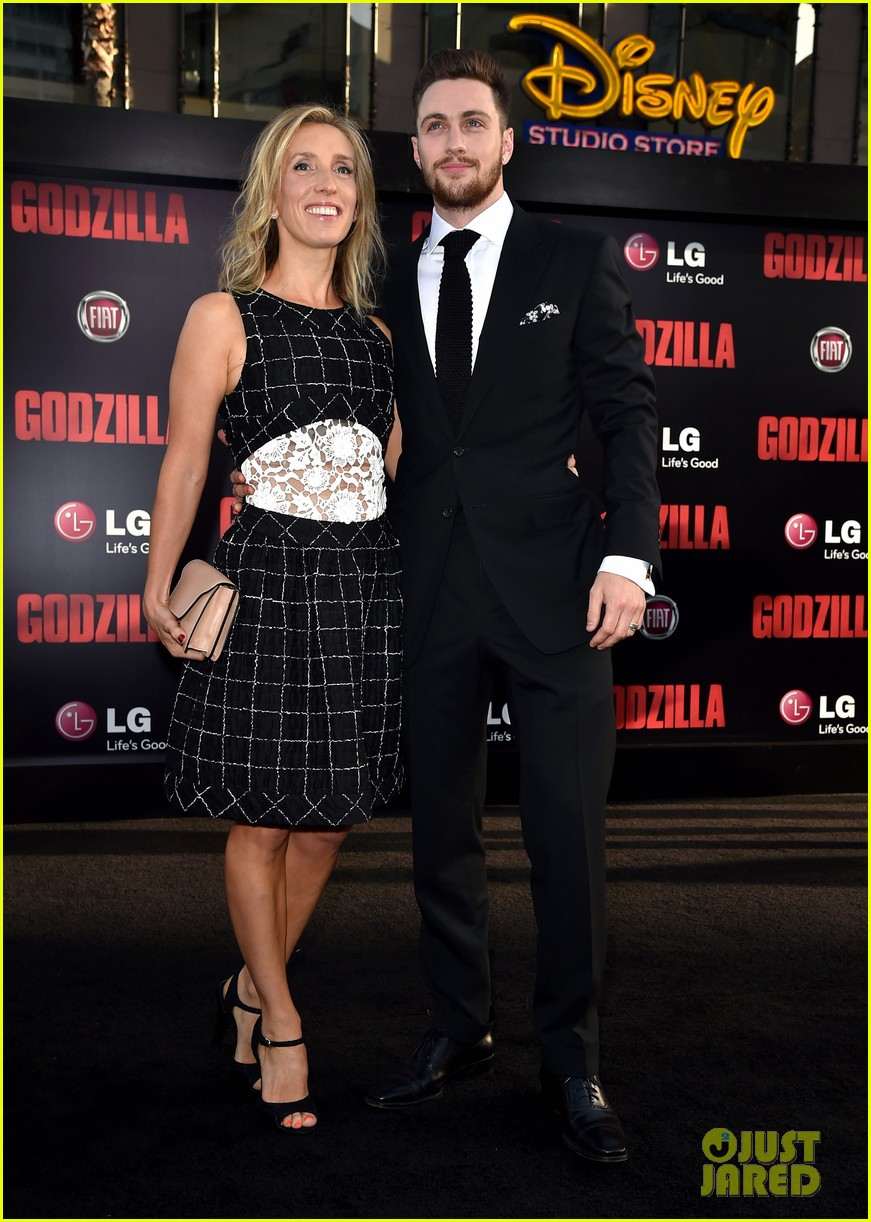 "Premiere Of Warner Bros. Pictures And Legendary Pictures' ""Godzilla"" - Red Carpet"