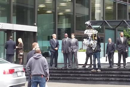 Vídeos rodaje 13 octubre: Christian Grey saliendo de sus oficinas
