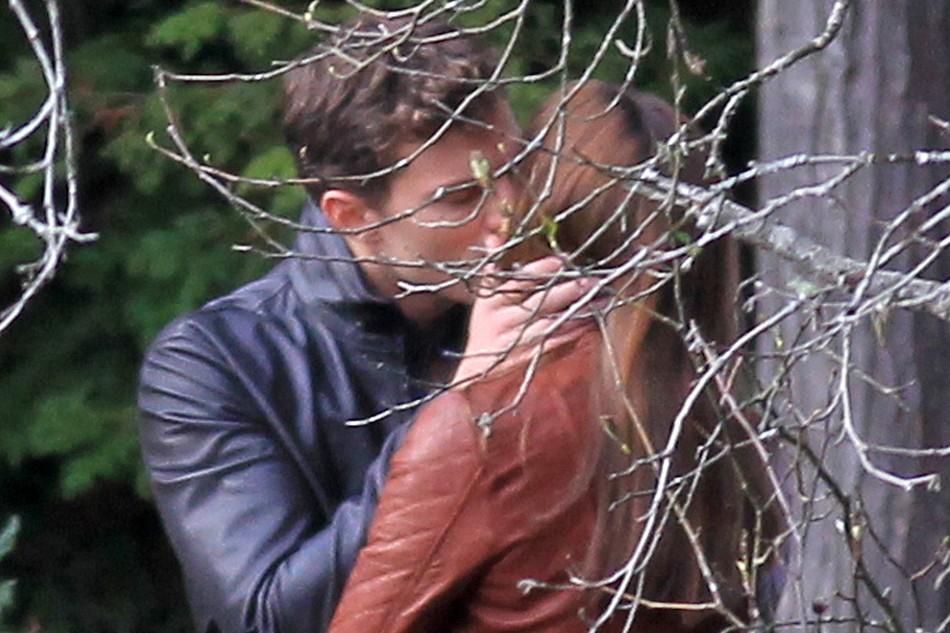 FOTOS RODAJE 14 octubre: Christian besa a Ana en el bosque
