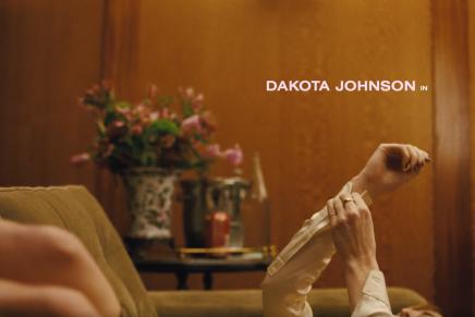 Corto de Dakota Johnson para Vogue «Tan sólo un minuto»