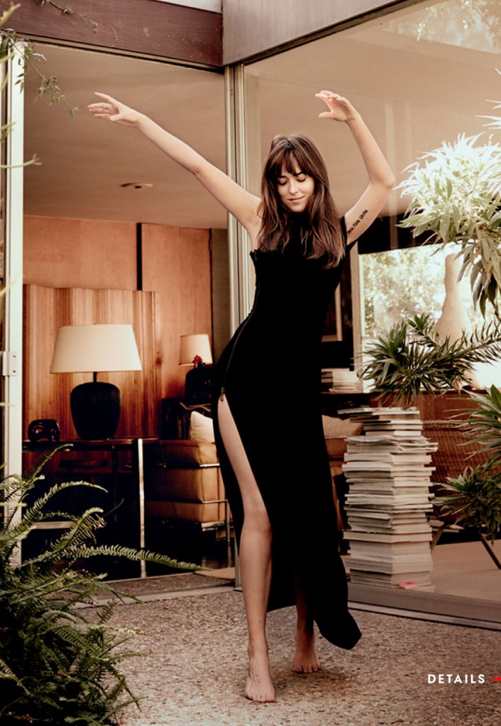 Dakota Johnson 50 Sombras Vogue feb 15 22