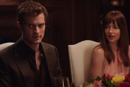 Nueva escena: La cena con la familia Grey