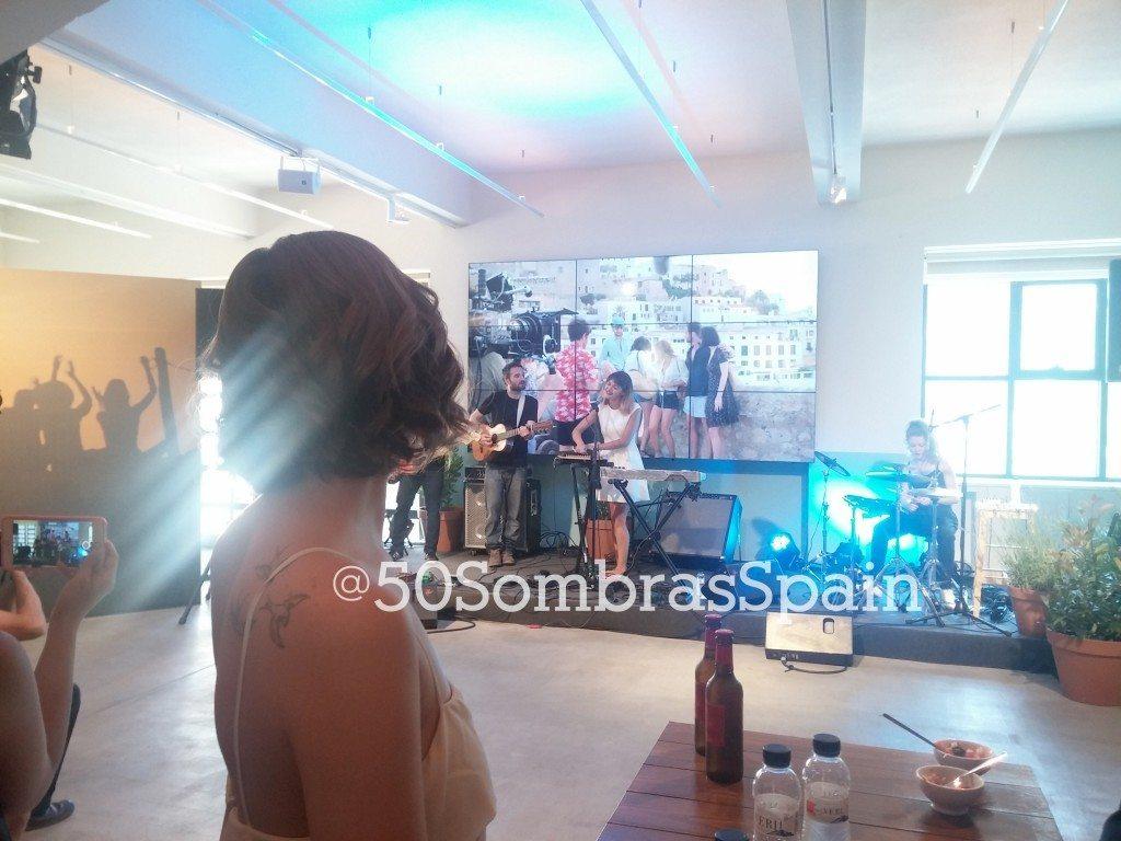 Dakota Johnson 50 Sombras presentacion Vale 2
