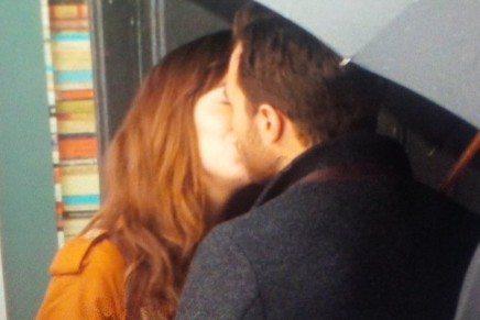 ¡Imagen del primero beso de Christian y Anastasia en 50 Sombras Más Oscuras!