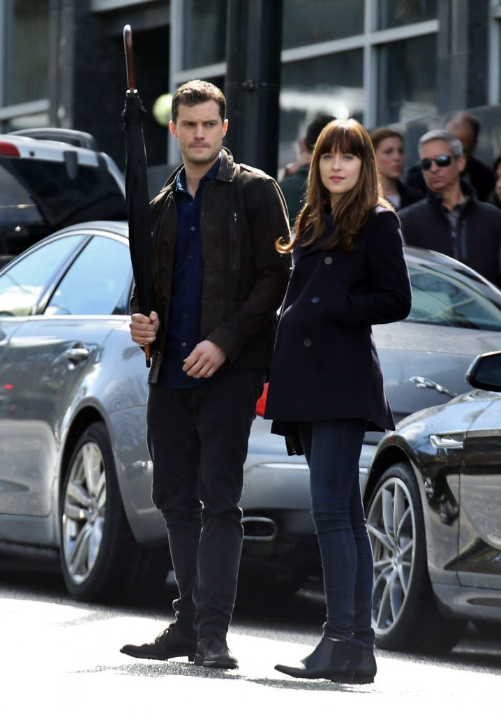 52013115 Stars are spotted on the set of 'Fifty Shades Darker' in Vancouver, Canada on April 04, 2016. Stars are spotted on the set of 'Fifty Shades Darker' in Vancouver, Canada on April 04, 2016. Pictured: Dakota Johnson, Jamie Dornan FameFlynet, Inc - Beverly Hills, CA, USA - +1 (310) 505-9876