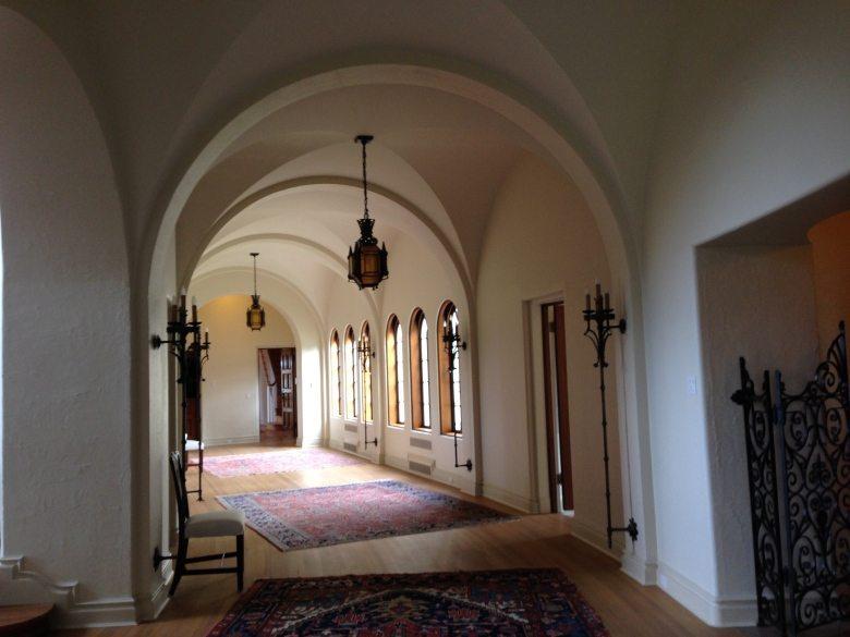 casa-mia-hallway