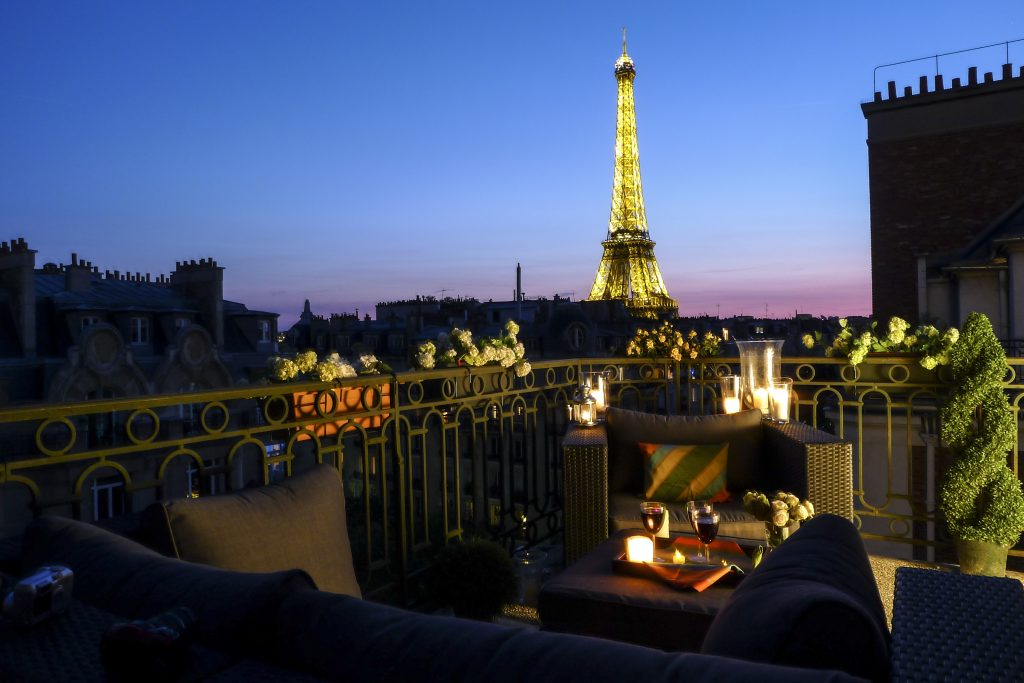 1-paris-dinner-eiffel-view