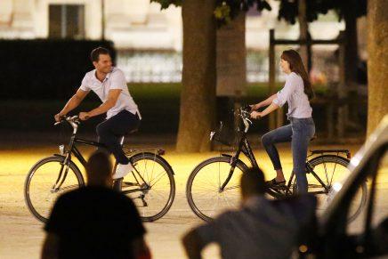 ¡Último rodaje de la trilogía!: ¡Christian y Ana en un balcón de París, por las calles de la ciudad y paseo en bicicleta!
