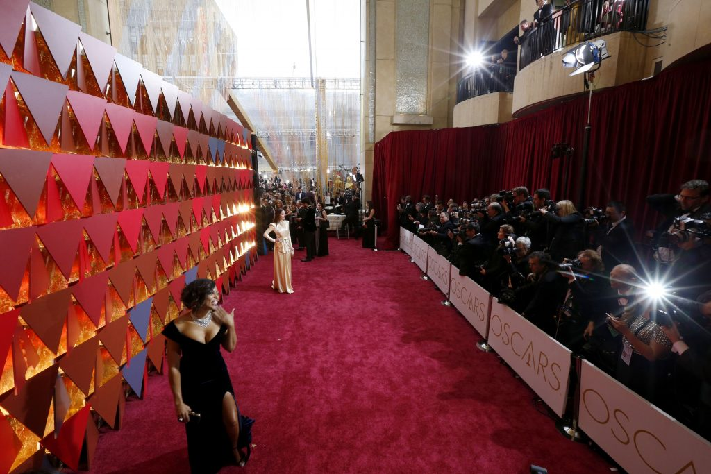 Dakota Johnson Oscars 2017 4