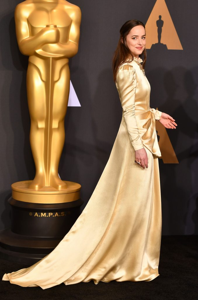 Dakota Johnson Oscars 2017 8