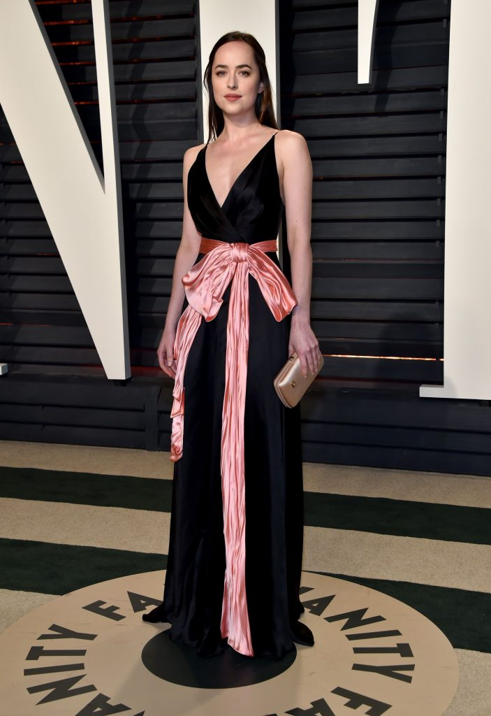Dakota Johnson VF Oscars 2017 1