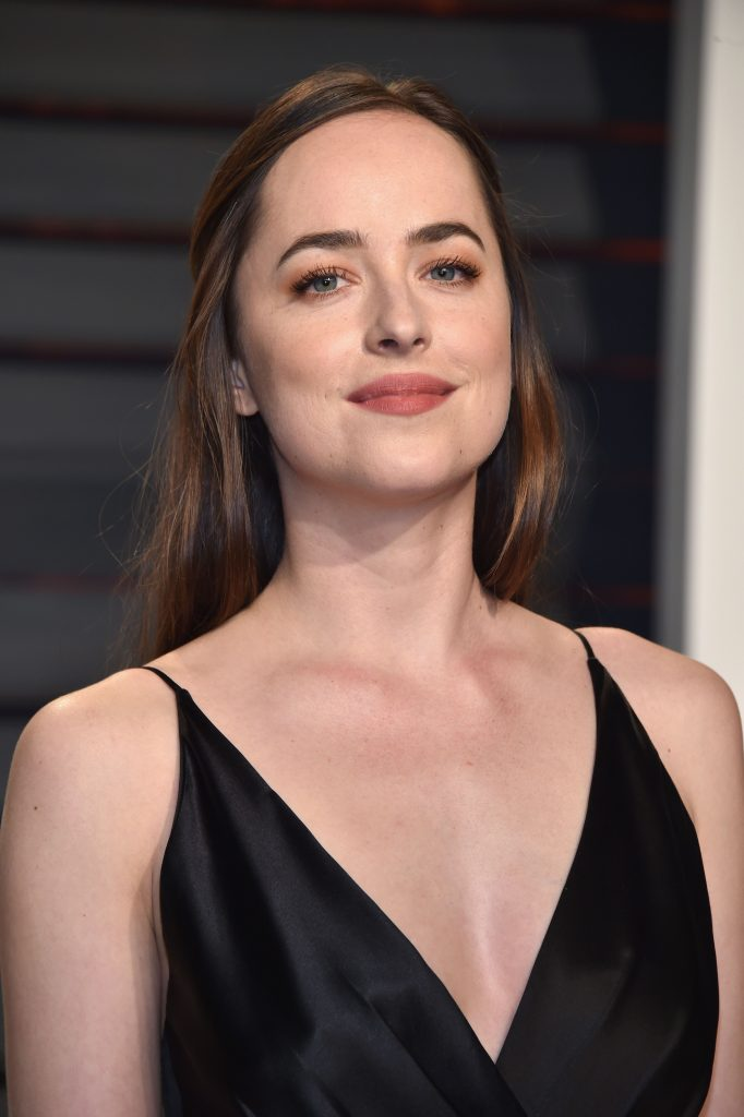Dakota Johnson VF Oscars 2017 2