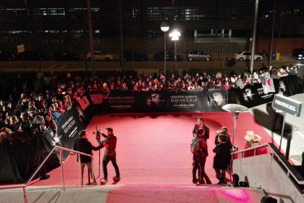 Première 50 Sombras Más Oscuras en Madrid: ambiente con los fans y llegada de los actores