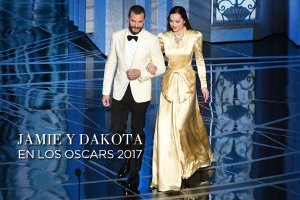 Dakota Johnson y Jamie Dornan en la gala de Los Oscars 2017