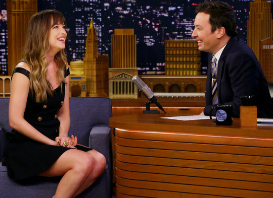 Dakota Johnson Jummy Fallon ene 18